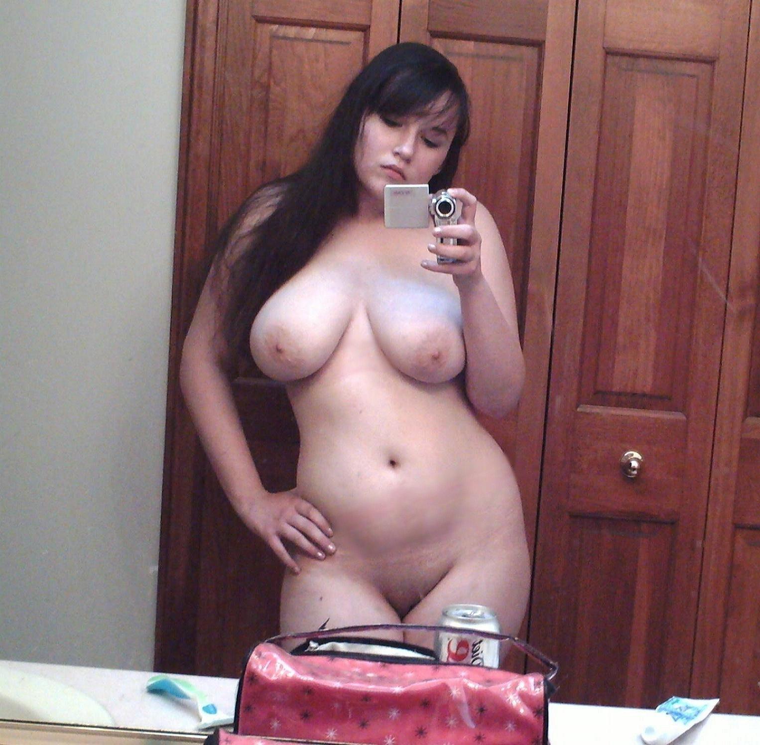 Смотреть онлайн фотографии пышек неформалок эротического жанра 10 фотография
